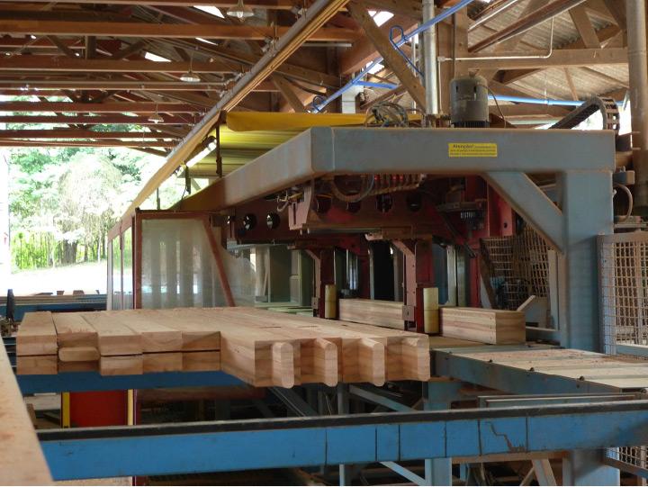 Usinagem de pilar em máquina CNC Hundegger K2®